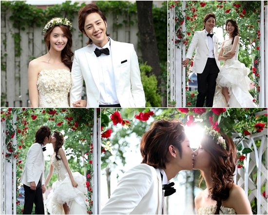 Korean stars Rain and Kim Tae Hee tie the knot in a modest