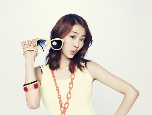 SISTAR's Dasom Reveals That Her Ideal Type Is Lee Je Hoon!