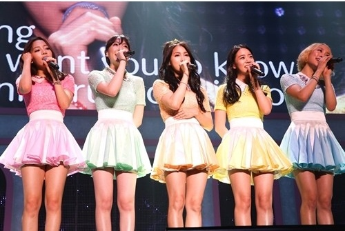 Kara Successfully Completes Japanese Fan Meeting