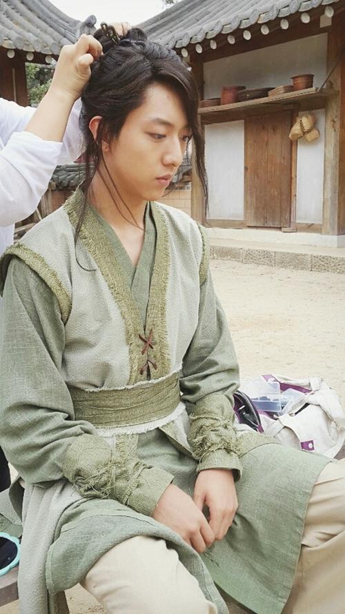 lee jung shin sword and flower bts