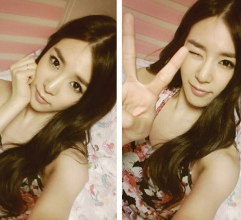 Girls' Generation's Tiffany Looks Gorgeous in Recent Bed Selca