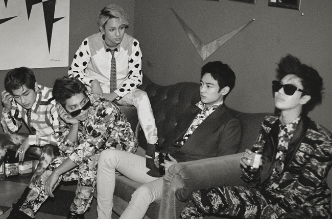 "SHINee to Release ""The Misconceptions of Us"" Compilation with Two New Tracks"