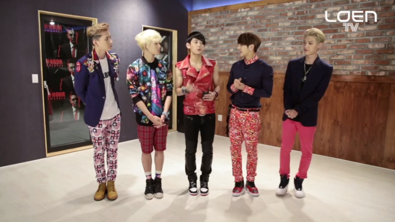 "MYNAME Teaches the Choreography for ""Baby I'm Sorry"""