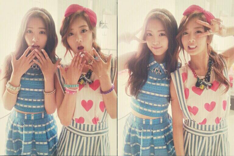 A Pink's Bomi and Son Naeun Want Their Fans To Stay Cool