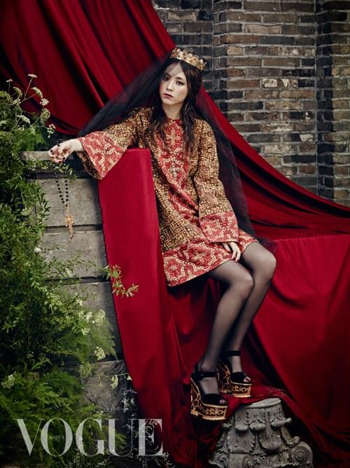 lee yeon hee vogue