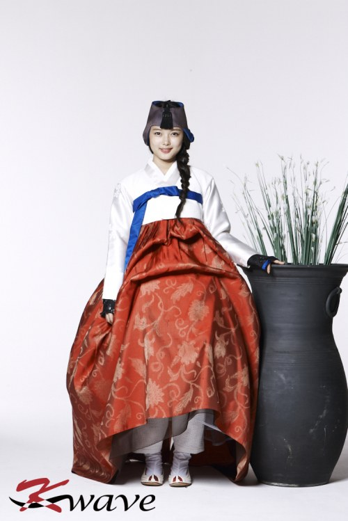 kimyoojung_hanbok3
