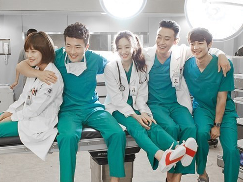 "The Cast of ""Medical Top Team"" Are All Smiles in BTS Photos"