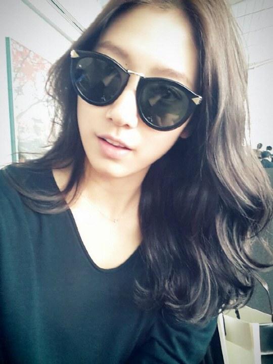 park shin hye selfie