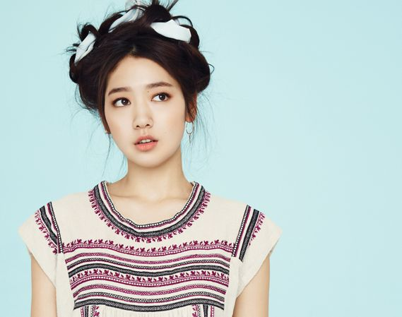 Soompi's Ultimate Lookbook: Park Shin Hye