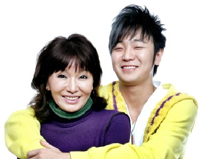Nami and her son Choi Jung Chul