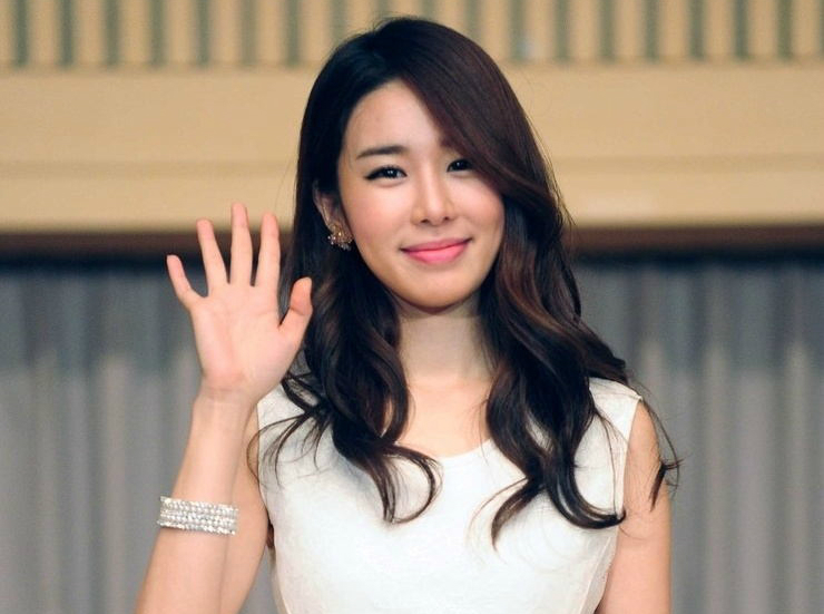 """Yoo In Na Likely to Join """"My Lover From The Stars"""" Cast"""