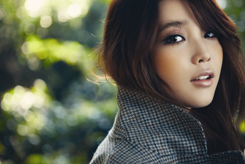 "IU Will Star in ""Beautiful Man"" with Jang Geun Suk"