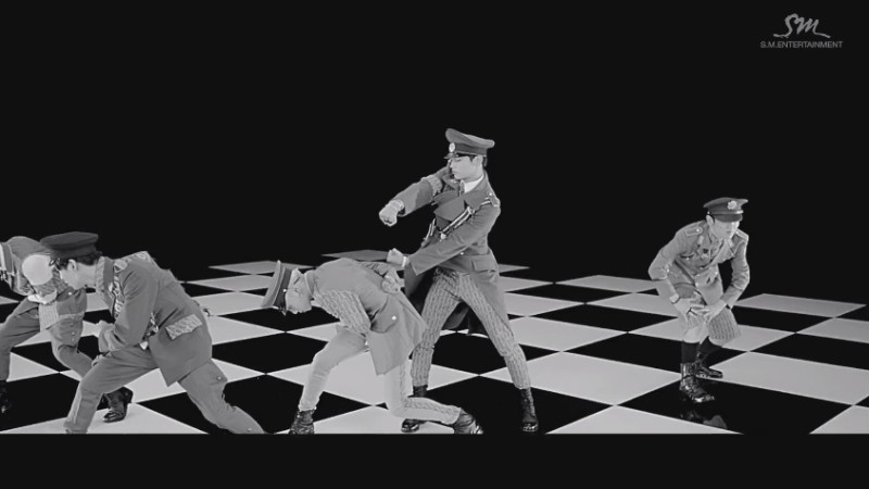 "SHINee Releases Music Video Teaser for ""Everybody"""