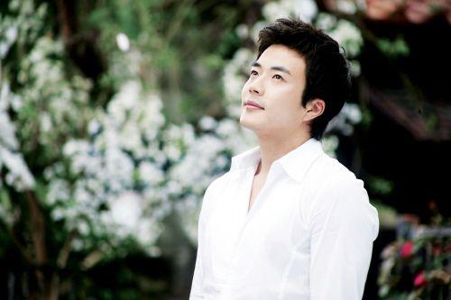 Kwon Sang Woo
