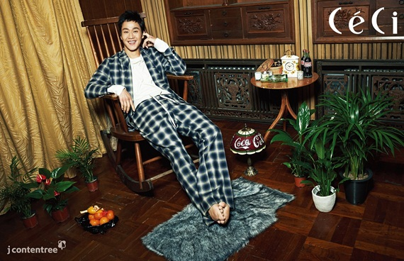 """""""Reply 1994″s """"Trash Oppa"""" Jung Woo Poses for CeCi and Talks About Co-Stars' Acting"""