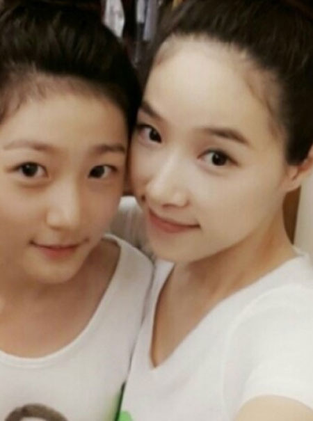 Kim Sae Ron with her mom