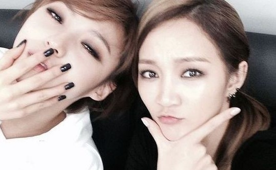 miss a jia and min selca wide