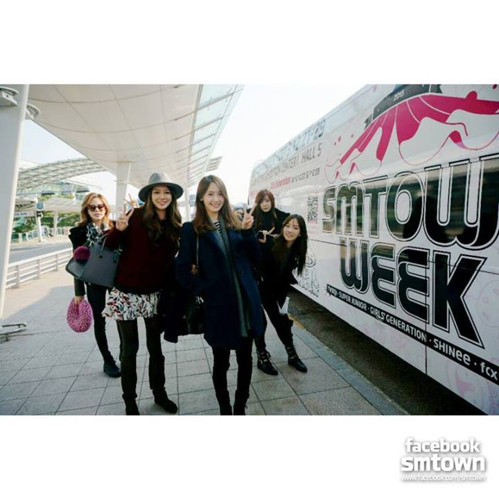 Girls' Generation SMTOWN Week Bus