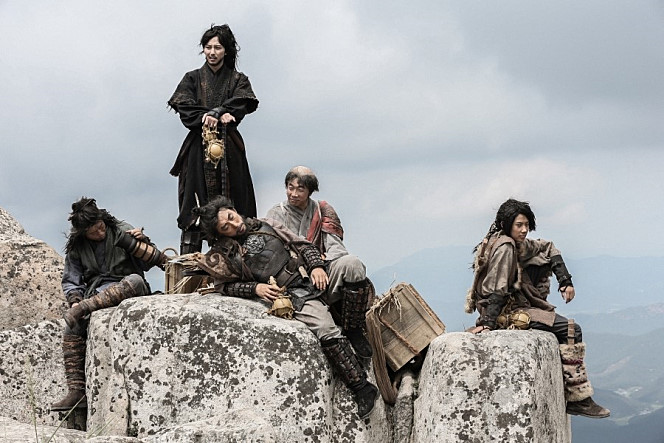 "First Stills Released for Movie ""Pirates"" with Kim Nam Gil, Son Ye Jin, Sulli and Others"