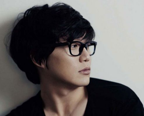 Flashback Friday: A Man of Many Talents — Sung Si Kyung