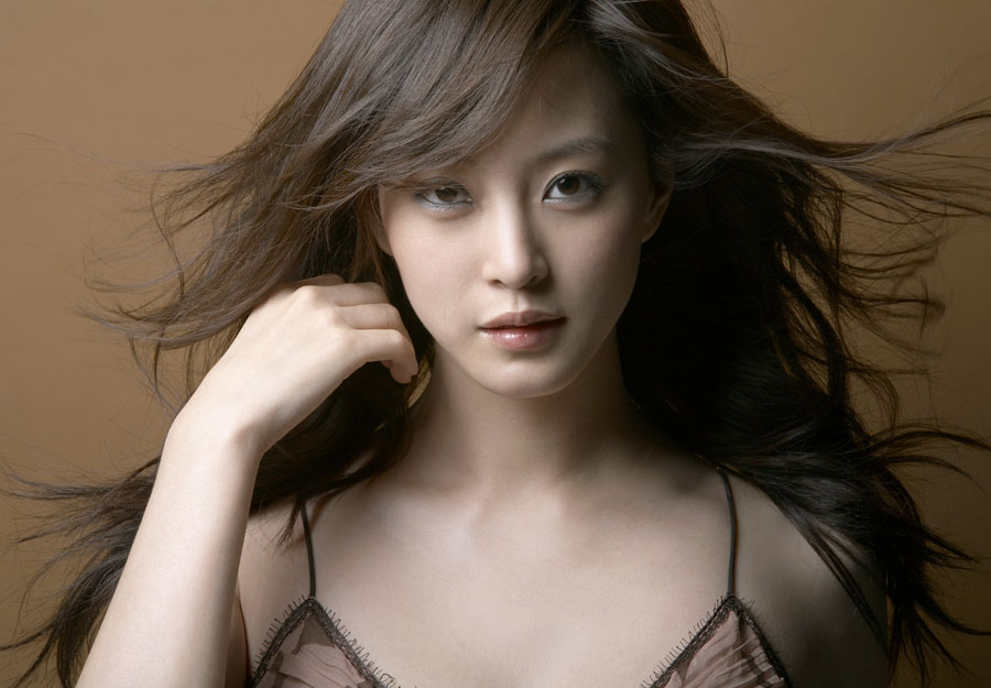 Actress Han Ye Seul Finds New Home with Agency SB Entertainment
