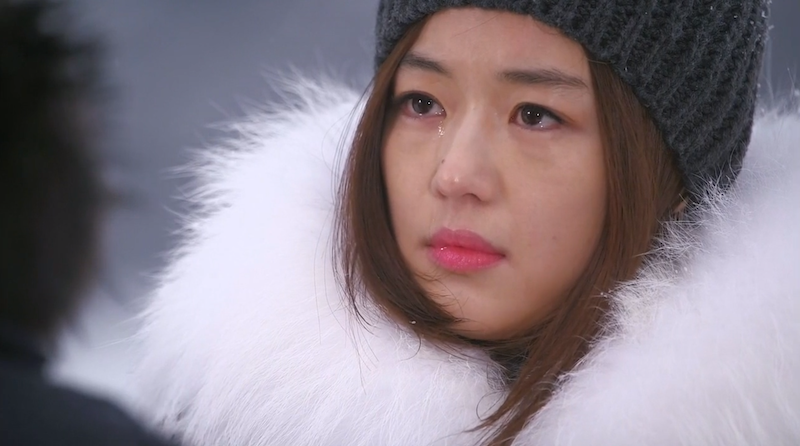 Song Yi Cry Snow
