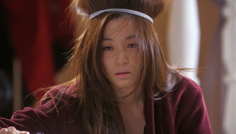 Song Yi's A Mess