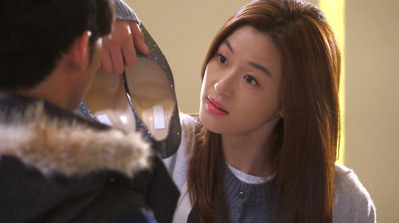 Song Yi's Shoes