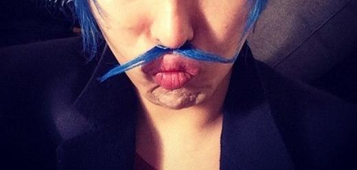g-dragon mustache