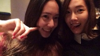 Jessica and Krystal Weibo picture