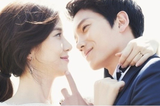 Lee Bo Young and Ji Sung Featured Image