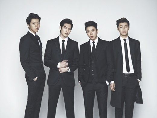 cnblue in black suits