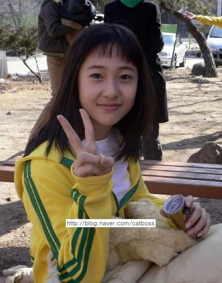 f(x) Krystal's 5th Grade Photos Show She Had Star Quality ... F(x) Amber Pre Debut