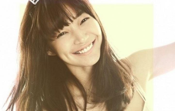 Shin Min Ah Featured Image