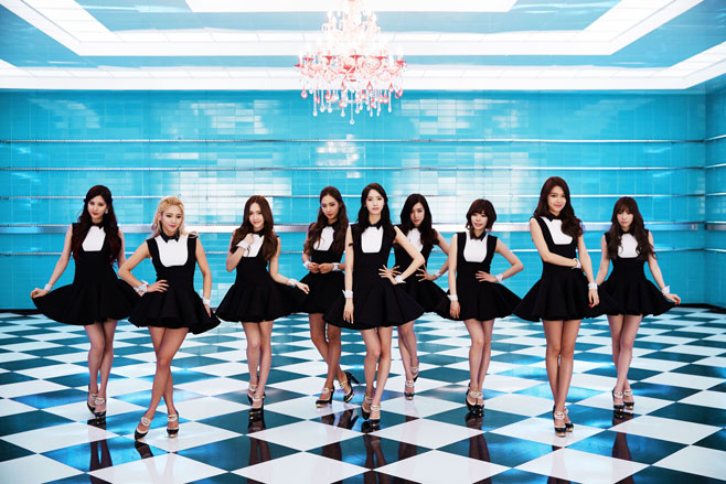 Girls' Generation to Perform With Male Dancers Onstage for the First Time