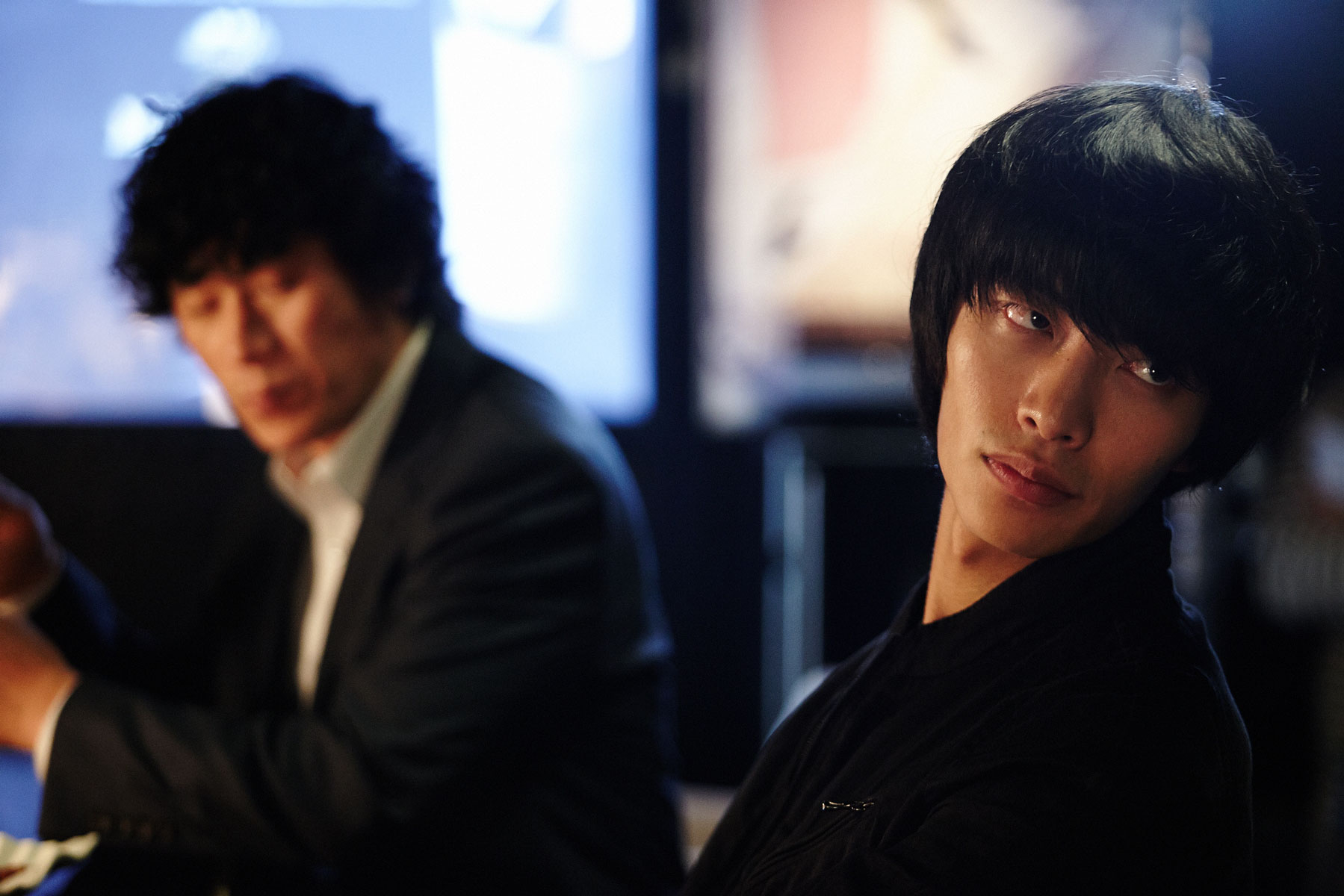 Lee Min Ki and Kim Roi Ha as the two brothers Tae Soo and Ik Sang.