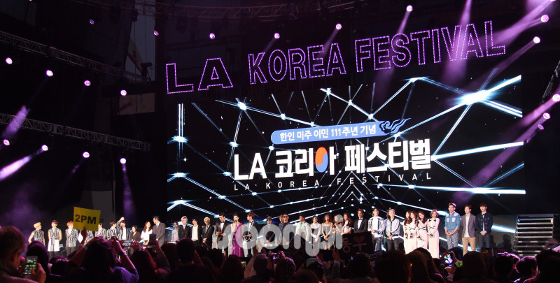 SHINee, 2PM, Infinite, SISTAR and More Rock the Stage at the LA K-Pop Festival