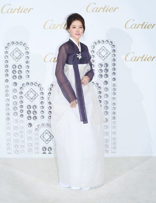Lee Young Ae in Hanbok 3