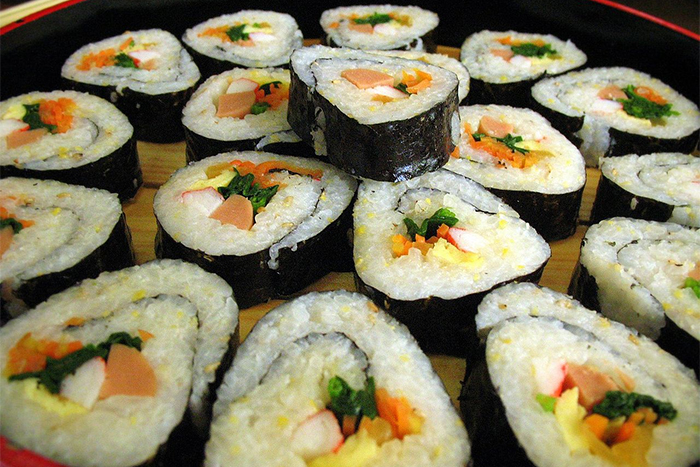 The  delicious rolls of kimbap. Photo credit: Wikipedia common photos