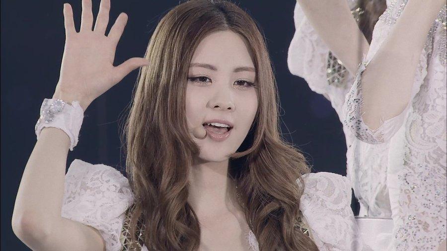 girls_generation_snsd_seohyun_by_rundevilrunjs-d4v2js7