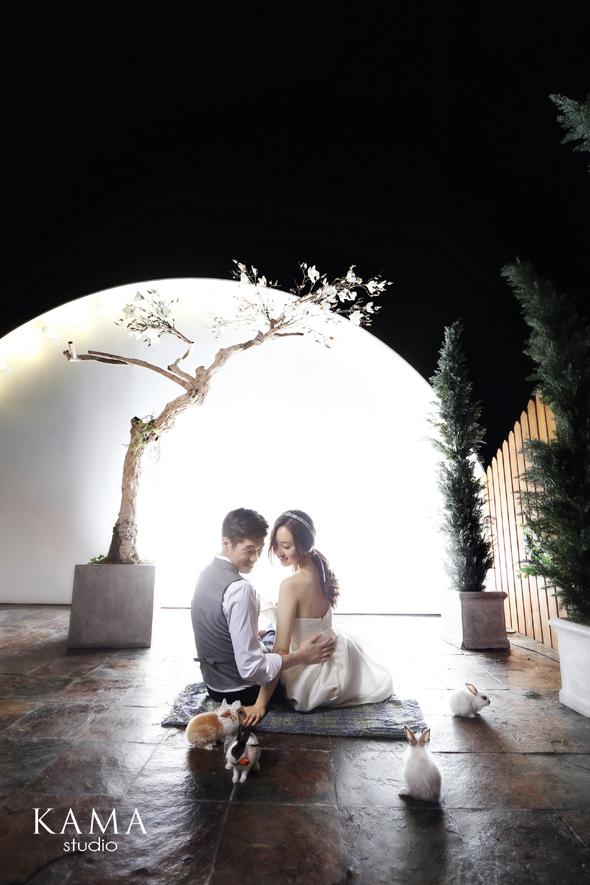 Park Ji Sung And Kim Min Ji Release Beautiful Pictures