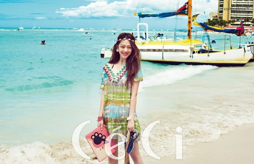 f(x)'s Sulli Enjoys a Bright Summer Day in Hawaii for Ceci Korea