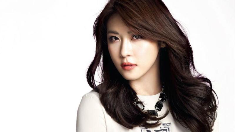 ha-ji-won-800x450