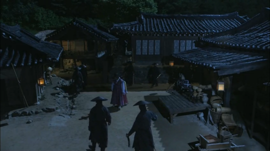 18 - Lee Sun and Ji Dam surrounded