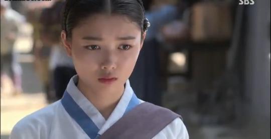 Ep 3 - 12 - Ji Dam wonders what happened to Shin Heung Bok's book