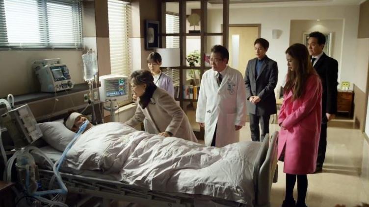 everyonehospital_birthofabeauty