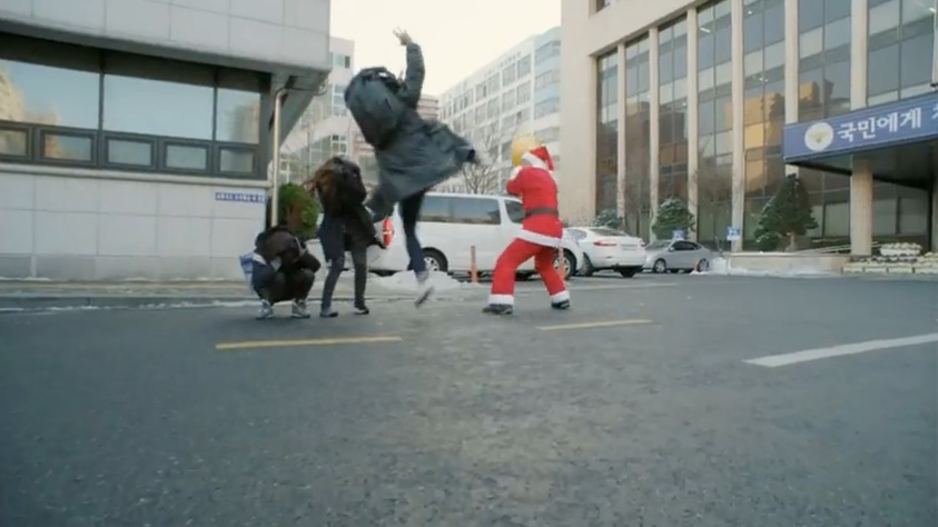 pinocchio 13 kicking santa final