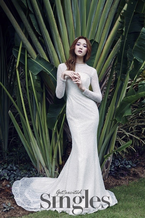 Lee Sung Kyung Singles 1