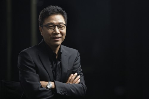 """SM's Lee Soo Man Is The First Korean Winner Of """"Asia Game Changer Awards"""""""