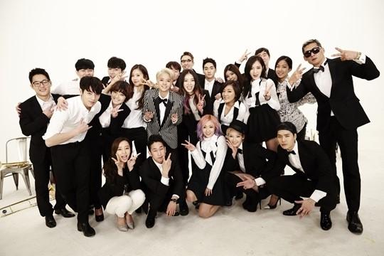 amber teaser group photo
